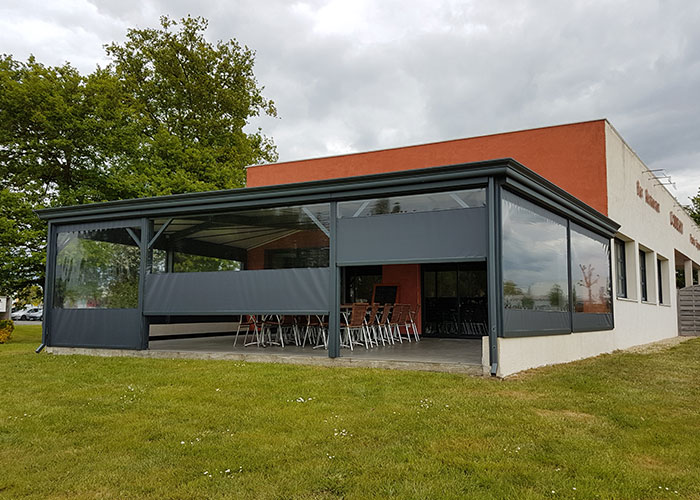Toiles Et Stores Pour Terrasse De Restaurant à La Roche Sur Yon